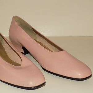 WOMEAN PINK 12M HEELS BY CALIFORNIANS MAGDESIANS